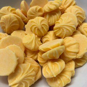 Numerous caramel buds