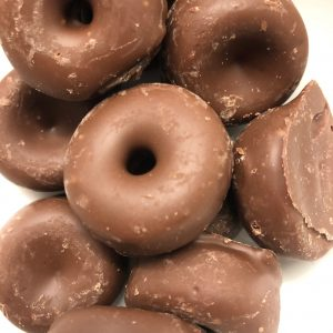 Milk chocolate aniseed rings