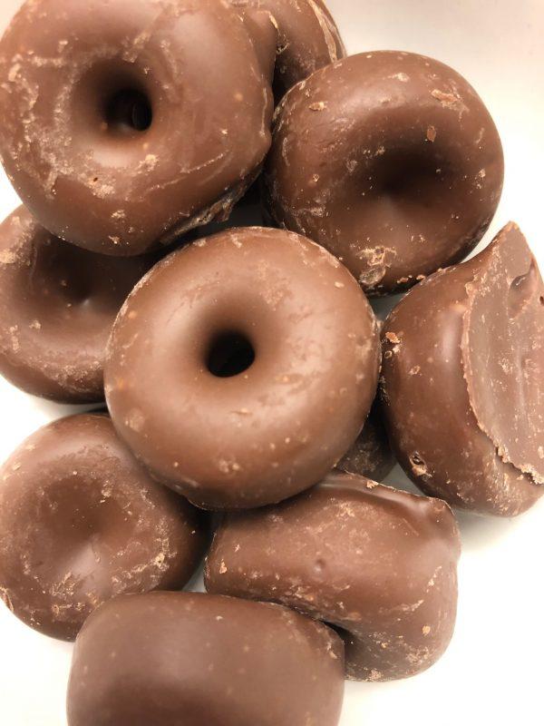 Milk chocolate aniseed rings